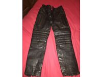 Ladies leather motorbike trousers 28inch waste