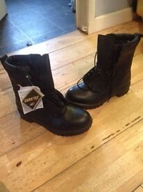 New Goretex boots size 8