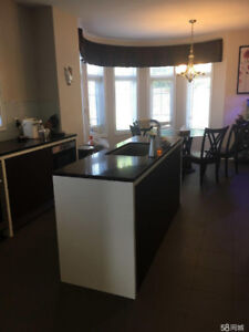 Vaughan Dufferin/Major Mackenzie 2 Bedrooms 1 Bathroom For Rent