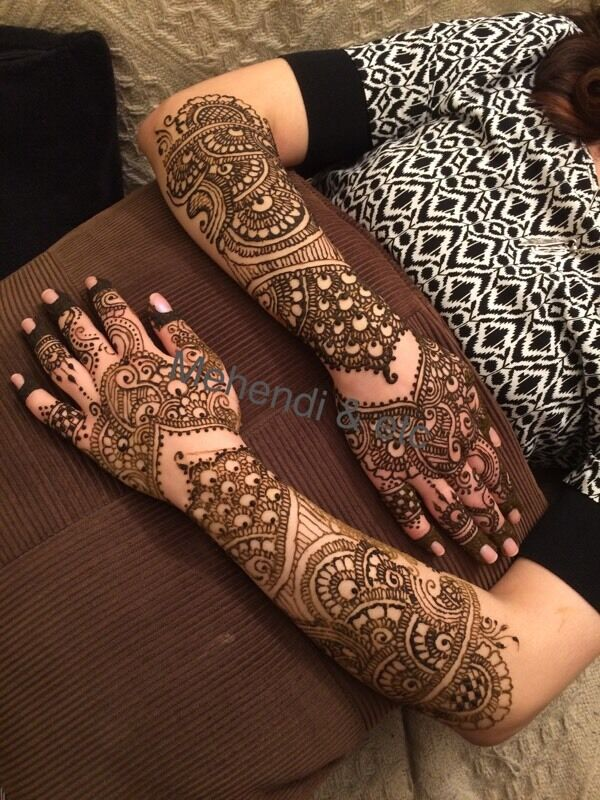 *****Special offer: Henna Artist on your Budgets