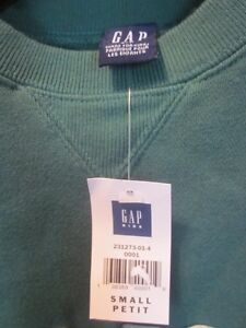 ** NEW Gap Sweat Top - Youth Small Cambridge Kitchener Area image 2