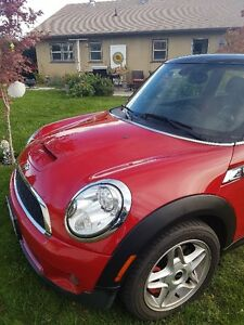 2007 MINI Mini Cooper S black/red leather Hatchb (2 door) 12,500