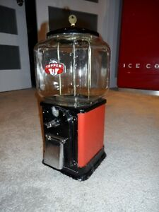1950 Victor 1 cent Topper Gumball Machine