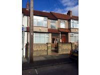 Exclusive 3/4 bedroom terraced house to let with garden