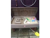 Little tikes step 2 sand and water table with lid