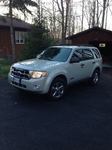 2008 Ford Escape Cornwall Ontario image 1