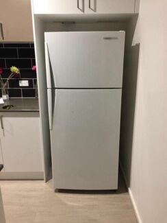 Westinghouse 303L frost free fridge&freezer, can deliver