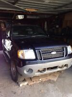 Mechanic Special 2001 Ford Explorer Sport Trac 4x4