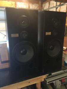 Vintage Pioneer CS-R590 3-Way speaker system