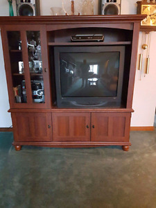 Solid wood entertainment unit and end tables + T.V included. Gre