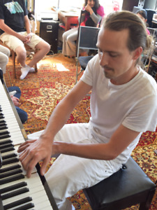 PIANO LESSONS THAT YOU WILL ENJOY!!