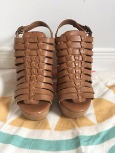 Cute Summer Shoe Wedges size 5-5-brown