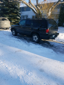 2003 chevrolet blazer **FRESH SAFTIED!** 4X4