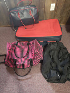 1 luggage, 1 carry-on, 2 bags.Good Condition.Everything must go