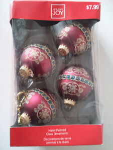 4-pack Red Hand Painted Christmas Ball Ornaments