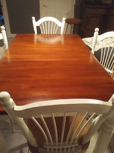 Solid Wood Table and 4 Chairs Antique White