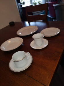 Fine China Set - Home Discover & Lynns