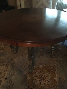 Gorgeous dining table 46""