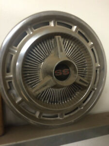 chevy ss hub cap 14 inch London Ontario image 1