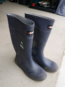 Baffin rubber boots. CSA approved. Size 10
