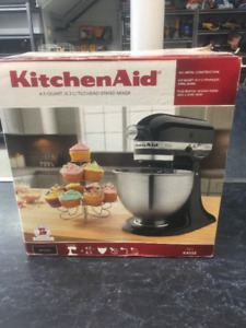 New - KitchenAid 4.5 Quart Tilt Head Stand Mixer