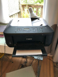 Cannon Printer with 2 free black cartridges!