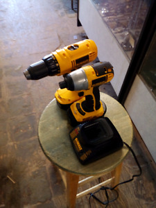 Dewalt 18v Drill and Impact 2 batteries