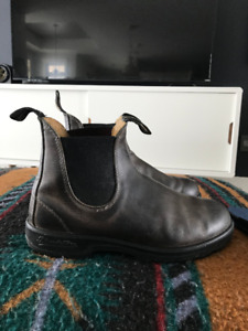 Men's Blundstones Size 8 (AUS/UK)