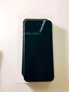 IPhone 5S Space Grey 16GB Fido - Box included Kitchener / Waterloo Kitchener Area image 2
