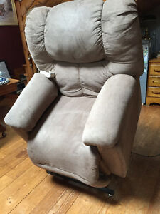 Franklin Beige  Micro Suede Lift Chair