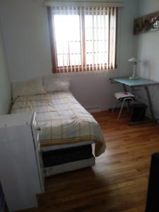 Deux belles chambres a louer dans une maison privée .