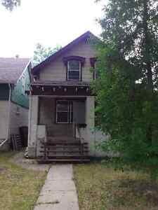 Air Condationed  4 Bedroom House for Rent Regina Regina Area image 3