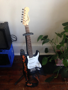 Squier mini guitar by Fender perfect condition