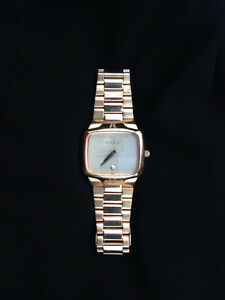 UNISEX NIXON ROSE GOLD WATCH (fits wrists 18.5cm and smaller) Peterborough Peterborough Area image 1