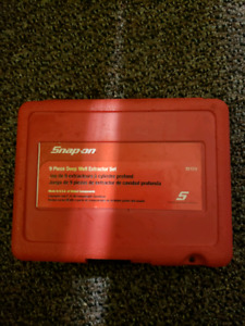 Snap on deep well extractor set