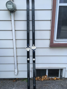 Dynatour Cross Country Skis 205 cm