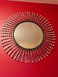 Decorative mirror.