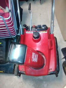 Snow thrower for sale, Honda HS35 Kitchener / Waterloo Kitchener Area image 3