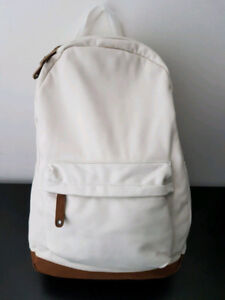 Assorted backpacks + duffle bags + messenger bags (8)