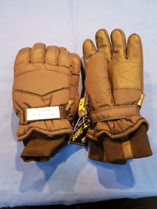 Xl and medium gore-tx gloves Belmont Belmont Area Preview