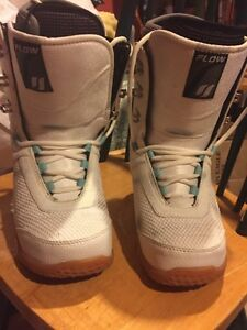 Women's snowboard boots size 8