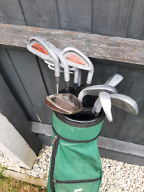 Howson golf clubs and bag.