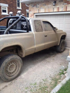 Part out or sell 2003 Dodge Dakota Base Pickup Truck