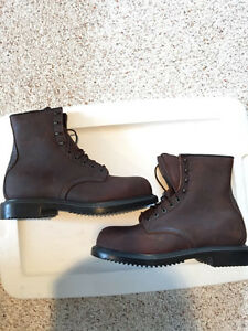 Red Wing Steel Toe Work Boots! Sz 9.5