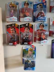CHARACTERS AND DISC SETS  (DISNEY INFINITY)