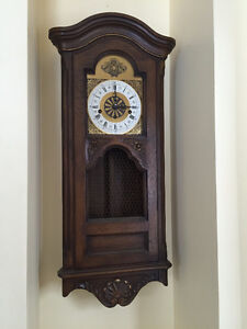 Wall Clock, Vintage / Orloge murale West Island Greater Montréal image 1
