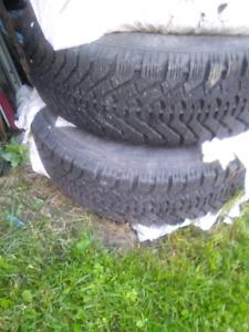 215/65/16 pneu d'hiver