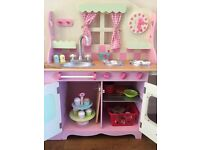 ELC Wooden country cottage kitchen