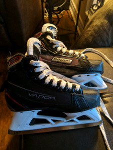 1-year old goalie skates - size 2.5