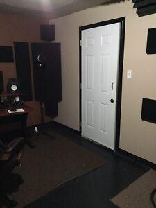 Soundproof Studio Recording Mixing Rehearsal Editing Mile Ex